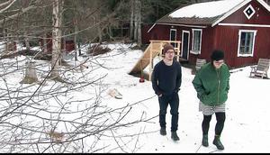 – Sista mars måste husen vara borta, annars börjar Jämtkraft gräva och vi får betala för grävarbetet, förklarar Martin och Charlie Dahlén i Ocke.