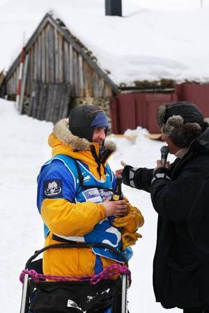 Segraren Björnar Andersen efter målgången i Röros.
