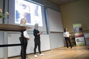 Amanda Frykman, Cornelia Broman och Vanessa Lorca från Defend yourself UF hade självförsvarskurs med eleverna.