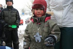 Ingrid Olofsson hittade nycklarna i grushögen. Nu kan bygget av det nya skolhuset starta.