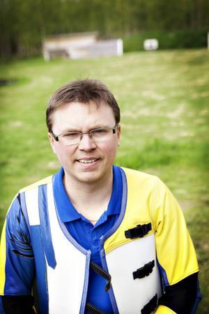 Strömsundsskytten Emil Martinsson tog guld i skytte-VM i spanska Granada.