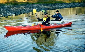 Paddla lugnt. Det är ingen fara att paddla vid Hällefors kraftverk enligt Mark- och miljödomstolen.