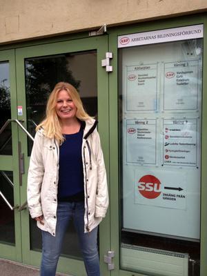 Titti Berg, bosatt i Brunnsvik, har för andra gången i sin politiska karriär valts in Vänsterpartiets partistyrelse.