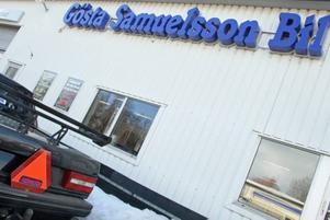 Oljebolag varnar för att det finns uppemot 350 ton förorenad jord efter en gammal bensinmack vid Gösta Samuelsson Bil i Sandviken.