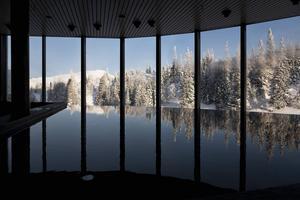 Vila i vattnet och blicka ut över Åreskutan.   Foto: Jonas Kullman