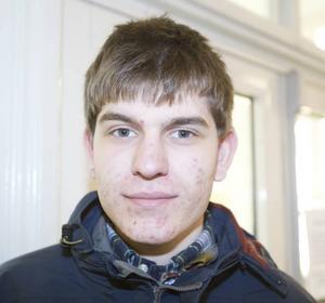 Philip Eriksson, 17 år, går samhällsprogrammet med internationell inriktning:– Kinesiska. Kina är ett spännande land som håller på och expanderar. Språket verkar som en bra sak att kunna.