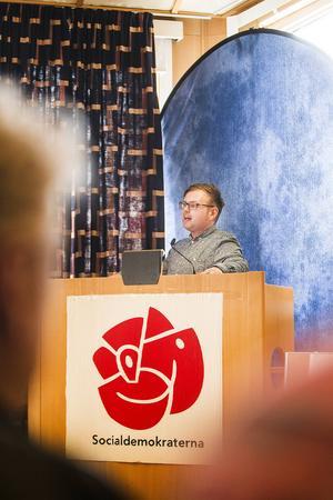 Daniel Olsson från Gävle, med rötter i Ramsjö, var huvudtalare i Ljusdal. Skolan är hans hjärtefråga.