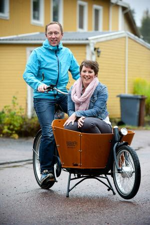 Cykeln har alltid varit en centralpunkt i paret Christian Van Dartels och Ilse Kerstens liv. De bägge träffades genom cykelsporten och flyttade från Holland till Borlänge där de såväl startat familj och egen cykelimport som satt Borlänge på den holländska turismkartan.