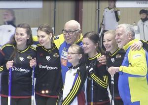 Team woolpower/Östersund tillsammans med Ingvar Oldsberg och Björn Hellberg under inspelningsdagen.