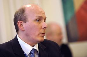 Petter Karlsson, Region Gävleborgs avtalsdirektör, ser allvarligt på problemen kring ISS städning av sjukhusen.