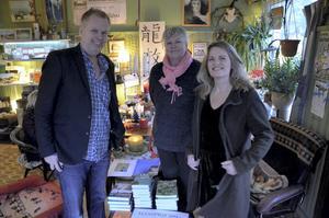 Författare. Tomas Eriksson, Christina Ryding och Catharina Bergsten i Ateljé Mjölkboa.