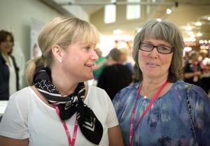 Maria Öberg och Annelie Wassman från Sundsvall tycker att lönen för en undersköterska inte motsvarar ansvaret.