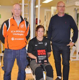 Leif Persson, Sarah Olofsson och Thomas Andersson var alla glada över att Ytterhogdal nu har ett gym som är certifierat av 100 procent ren idrott.