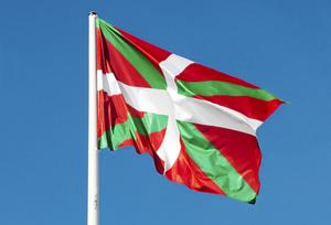 Den baskiska flaggan Ikurriña.