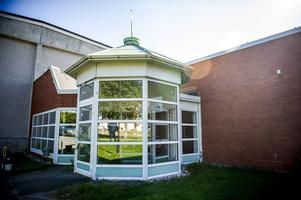 Äntligen är det dags för invigning av den rustade simhallen i Alfta. Det tog längre tid än beräknat.