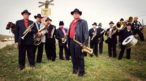 30 oktober gäller det att hålla i hatten när romska brassgänget Fanfare Ciocarlia intar OSD, full fart framåt!