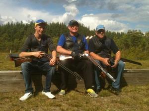 Efter avklarad tävling, SM i nordisk trapp, som avgjordes i Småland. Från vänster Christopher Lindkvist, Anders Runnkvist och Lennart Andersson.