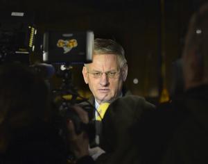 Utrikesminister Carl Bildt (M) uttalar sig med anledning av den senasten utvecklingen angående Ukraina. Foto Roger Vikström / TT