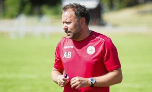 Andreas Bruhn, Köping FF:s assisterande tränare, var särskilt nöjd med lagets defensiv.