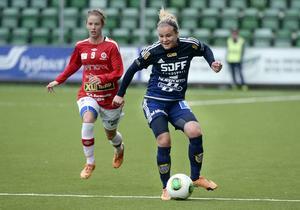 Maxine Björkholm –  pigg och kreativ vänsterbreddare i SDFF.