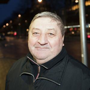 Lukas Josef, 30 år (haha!), pensionär, Gävle:– Att hålla hälsan. Finns inget bättre löfte.
