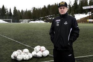 Tommie Andersson hyllade sin unga mittfältare Ida Sjöström efter 2-2 matchen i Storfors: