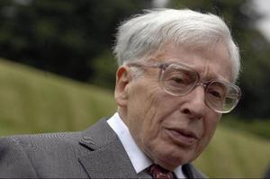 Robert Edwards när han 2008 deltog vid 30-årsfirandet av världens första provrörsbarn Baby Loiuse. Nu får han Nobelpriset i medicin för sin forskning.
