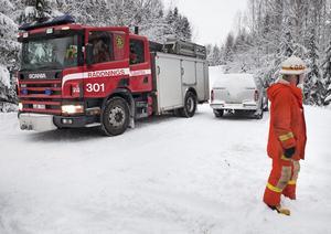 Räddningstjänsten var på plats efter att en jägare attackerats av en björn vid Kilafors på lördagen.