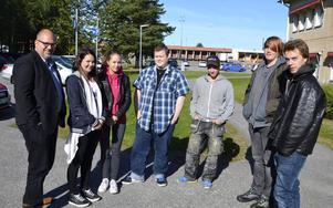 LO-ordföranden Karl-Petter Thorwaldsson var imponerad av projektet Ung Framtid i Timrå. Han fick träffa Marita Avila, Amanda Svedin, Mattias Larsson, Dennis Finnström, Daniel Pettersson och Andreas Östrand.