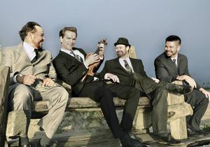Mads Tolling violin, Jacob Fischer gitarr, Kasper Tagel bas och Karsten Bagge trummor. Pressbild