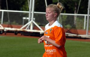 Inhopparen Emma Pettersson räddade en poäng med sitt sena kvitteringsmål på distansskott.