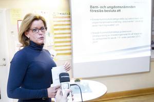 Nämndordföranden Åsa Wiklund-Lång, S presenterade den nya skolorganisationen i går.