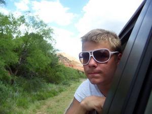 ON THE ROAD. Kim Wahlman åker med sin far Sewed och storebror Andreas i bil genom USA. Resan har gått via New York och Texas och nu är de framme  i Arizona.