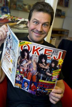 Bildtext 1-2: Jörgen Holmstedt har skrivit boken om Okej. Han var under 80-talet reporter på musiktidningen.Foto: Claudio Bresciani/Scanpix