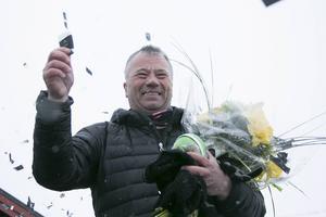 Jerry Hansson från Ljusdal vann en bil efter ett skidlopp i påskhelgen.