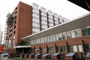 Antalet vårdplatser är färre på Östersunds sjukhus den här sommaren jämfört med förra.