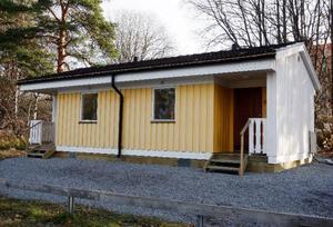 Nu har de nya småhusen för bostadslösa kommit på plats. Här är ett av husen  i Lugnvik.  Foto: Jan Andersson