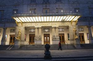 Nu väntar personalminskningar vid Kungliga Dramatiska teatern i Stockholm.