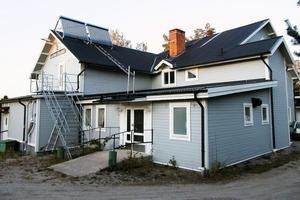 Alftas Byaspex har sina lokaler i Viksjöfors. Det är skönt att det, konstaterar Olle Andersson. Istället för att sätta upp revy kommer man att ägna sig åt att rusta i en del av rummen i höst och vinter.