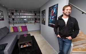 Niclas Lindström har över 3000 filmer att kolla på i sin 3D-biograf.