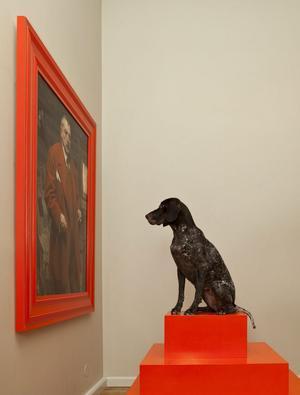 """Förhandsvisning av utställningen """"Johansson vs Zorn"""" för hundar."""