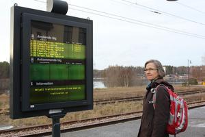Britta Lockner pendlar från Ängelsberg till Fagersta Norra.