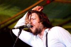Sångaren Michael Stark i Nico the Band inledde Rockfestivalen på Hornslandet.