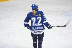 Maja Nylén-Persson valde under sommaren att lämna det Leksands IF hon har spelat i sedan 2014, för att i stället dra på sig ärkerivalen Brynäs tröja i vinter.