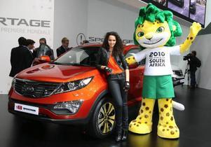 Nya Kia Sportage är systerbil till nyligen presenterade Hyundai ix35. Den nya bilen är längre, bredare och lägre än föregångaren. Sportage lanseras med fyra motorer, två bensin och två diesel