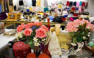 Mycket saker av alla dess olika slag finns i butiken. Foto: Sofie Lind