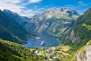 Många svenskar lockas av Norges fjordar.