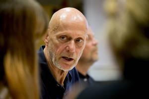 Kommunalrådet Fred Nilsson (S) är inte orolig för stämningshotet.