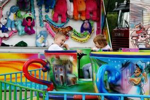 Davids tivoli finns också på plats under de två marknadsdagarna. Det är karuseller, tombolahjul och annat som hör ett tivoli till.