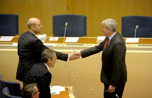 Olika världar. Fredrik Reinfeldt (M) och Håkan Juholt (S) ledare partier med helt olika geografisk profil. Socialdemokraterna är starka i norr, Moderaterna i större städer med omnejd. foto: scanpix